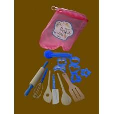 Child's Kitchen Set /17 Pc. Utensil Set