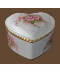 Trinket Boxes /Porcelain Heart w/Roses